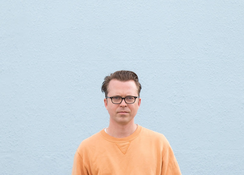 Portrait of musician Tom Vek by Kat Green, 2020
