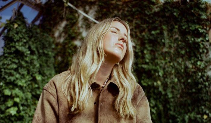 JÁNA Photo credit: Pontus Hammarström